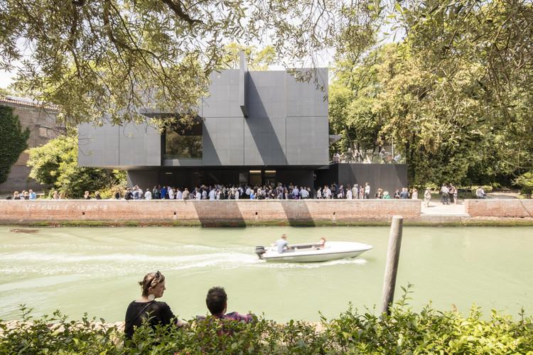 La Piscina - Arquitectura, Cultura e Identidad en Australia. Imagen © Laurian Ghinitoiu