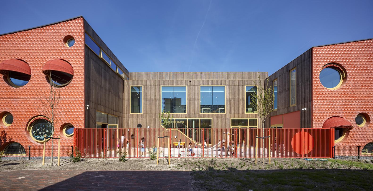 Gallery of ikc zeven zee n moke architecten 4 - Architect binnen klein gebied paris ...