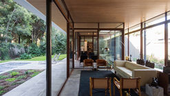The House and the Trees  / Iglesis Arquitectos