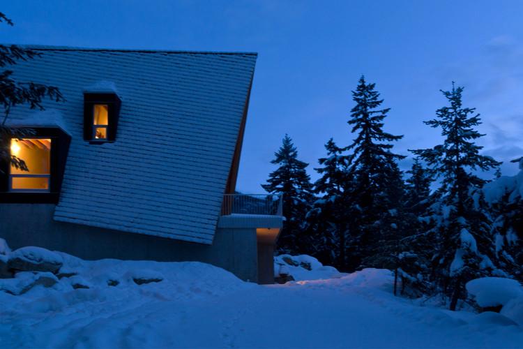 © Scott and Scott Architects