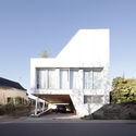 Villa Flying Box / 2A Design