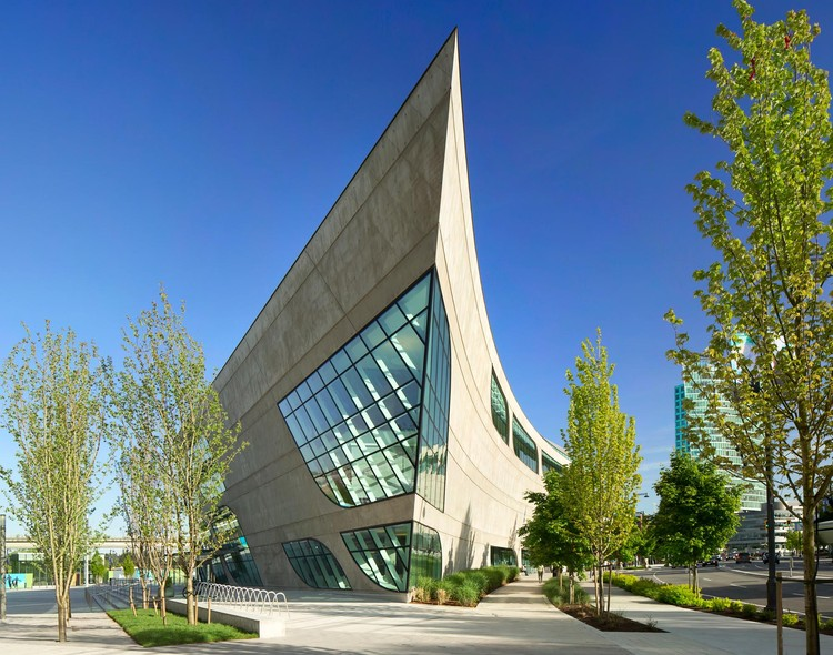 Biblioteca Municipal de Surrey / Bing Thom Architects, © Ema Peter