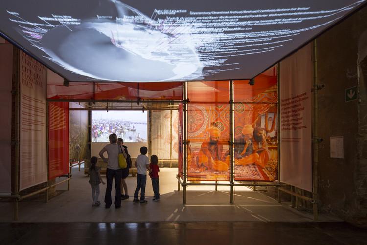 Pabellón Ephemeral Urbanism / Rahul Mehrotra y Felipe Vera en la Bienal de Venecia 2016, © Laurian Ghinitoiu