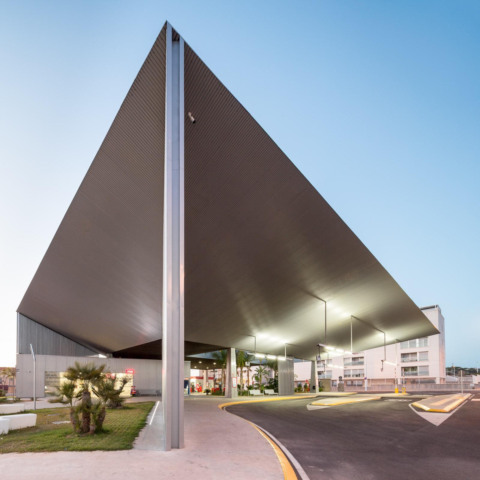 Estación de autobuses de Santa Pola / Manuel Lillo + Emilio Vicedo - Plataforma Arquitectura