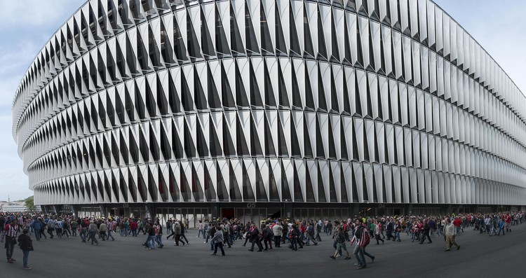 Estadio San Mamés / IDOM + César Azcárate. Bilbao. Image ©  Aitor Ortiz