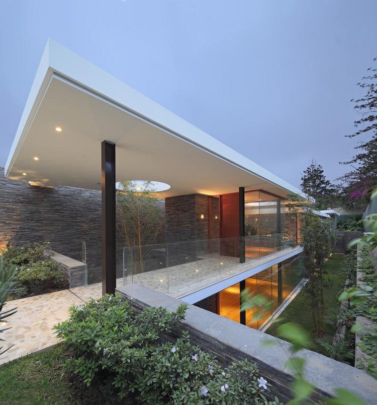 Casa Lineal  / Metrópolis Oficina de Arquitectura  , © Juan Solano Ojasí
