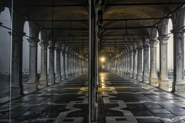 Riccardo De Cal: Into the Labyrinth — architetture veneziane, Riccardo De Cal © 2016