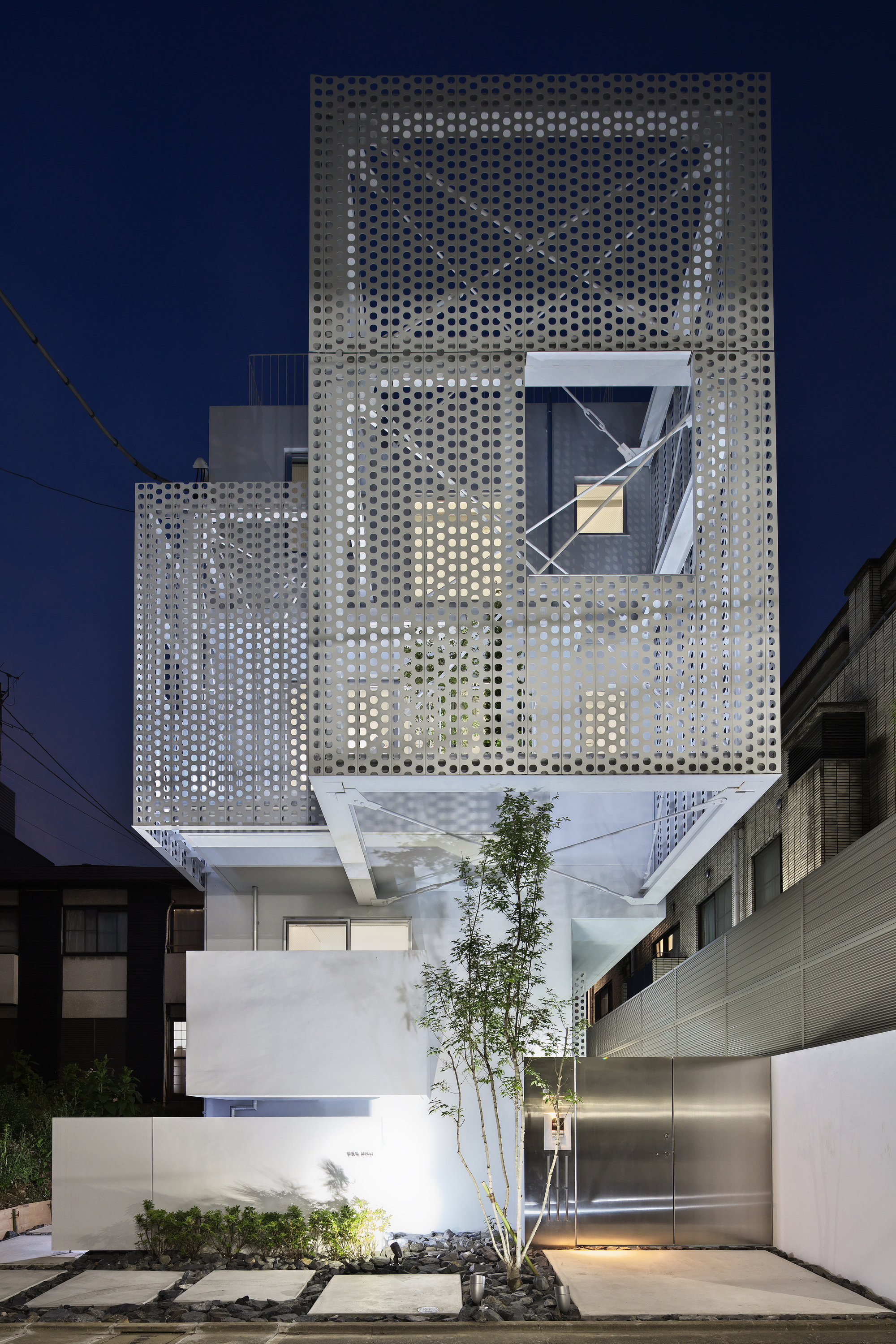 Gallery of apartment in minami azabu hmaa 1 for Architecture tokyo