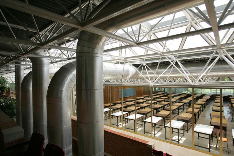 Estos son los mejores masters de arquitectura en España según El Mundo en 2016, Edificio de Arquitectura de la Universidad de Navarra. Image © Flickr User: Universidad de Navarra, bajo licencia CC BY-SA 3.0