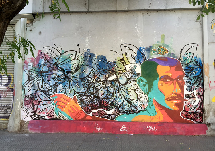 Mural realizado con @theartofpau en Avenida Santa, Santiago centro. Image Cortesía de Faya E.C.