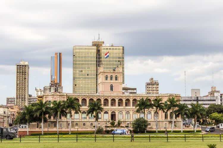 Colegio de Arquitectos de Paraguay y FADA exigen suspender concurso de nuevas oficinas ministeriales en Asunción, Palacio de López, Asunción. Image © Paulo Nabas vía Shutterstock