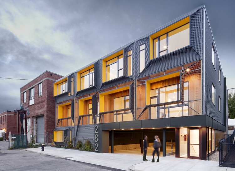 Marginal Street Lofts  / Merge Architects Inc, © John Horner Photography