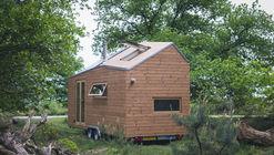 Contemporary Tiny House  / Walden Studio