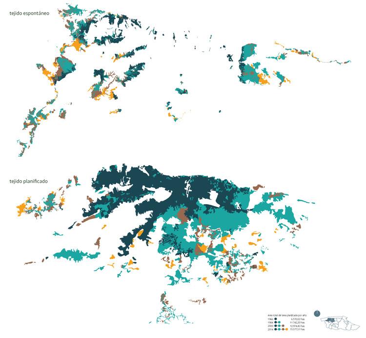 Mapa de comparación del crecimiento de las zonas espontáneas arriba y de las zonas planificadas abajo. CABA Cartografía de los barrios de Caracas 1966-2014. Image © Enlace Arquitectura