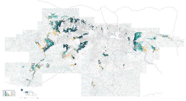 Mapa de todos los asentamientos espontáneos de Caracas diferenciados por año de registro 1966,1984, 2000 y 2014. CABA Cartografía de los barrios de Caracas 1966-2014.. Image © Enlace Arquitectura