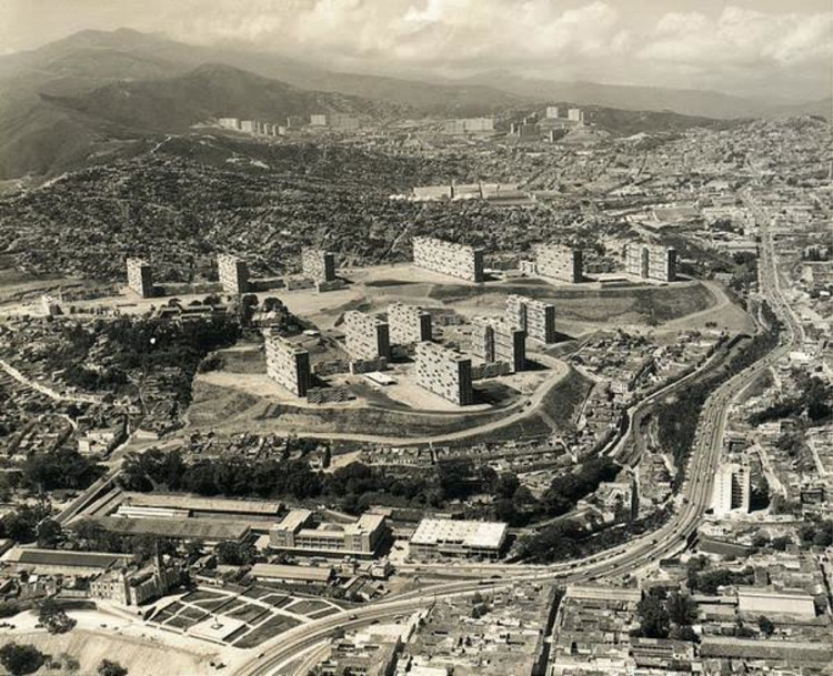 Urbanización 2 de Diciembre, hoy 23 de Enero, 1957.. Image © Hamilton Wright