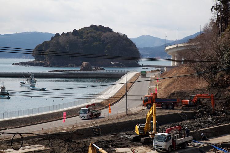 Construction View at Daimorisaki, Miyagi Prefecture. Image © Max Creasy