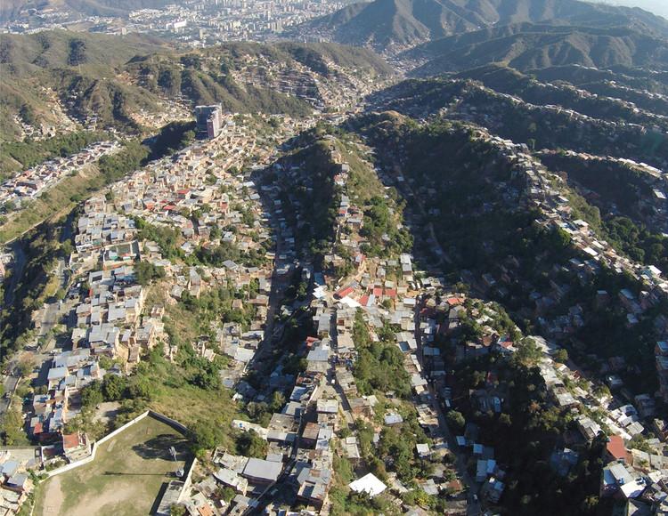 Imagen aérea de la UPF 10 La Vega. Image © Enlace Arquitectura