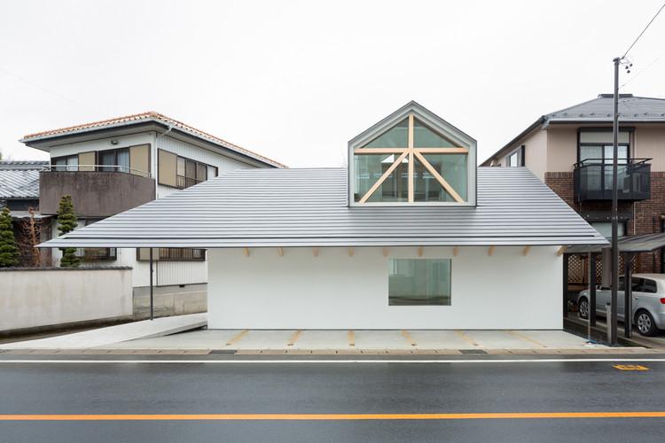 Casa con ventana de buhardilla / Hiroki Tominaga-Atelier, © Takumi Ota