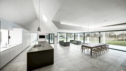 The Pilot's House  / AR Design Studio