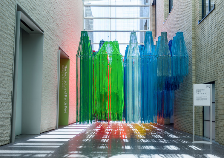 Francis Kéré Creates Installation from Brightly Colored Thread for First U.S. Retrospective, © Tim Tiebout. Courtesy of PMA