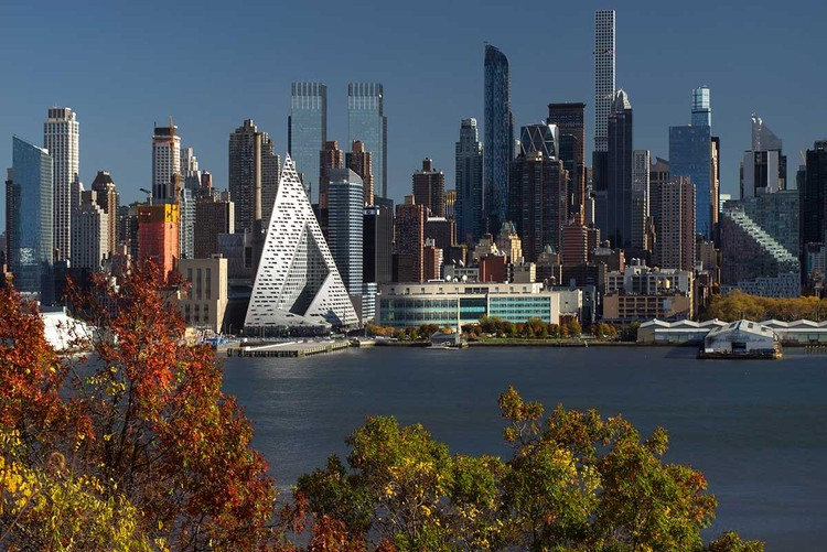 VIVIENDA: BIG - Bjarke Ingels Group, VIA 57 West, New York, USA. Image via World Architecture Festival