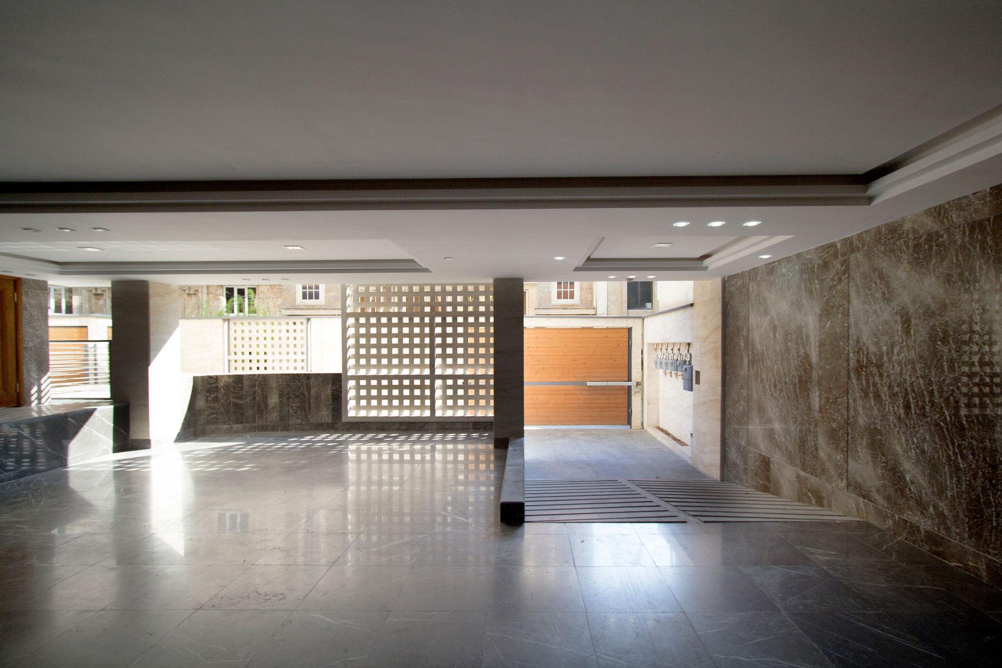 Khazar residential building s a l design studio archdaily for Ce design hotel