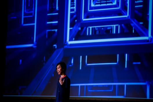 Mimi Hoang presenta en reSITE 2016. Imagen © Dorota Velek