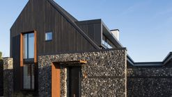 House 19  / Jestico + Whiles
