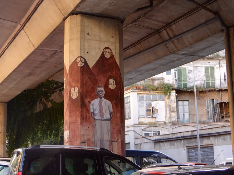 Milu - Columnes bonastruc. Image © Ana Rodríguez