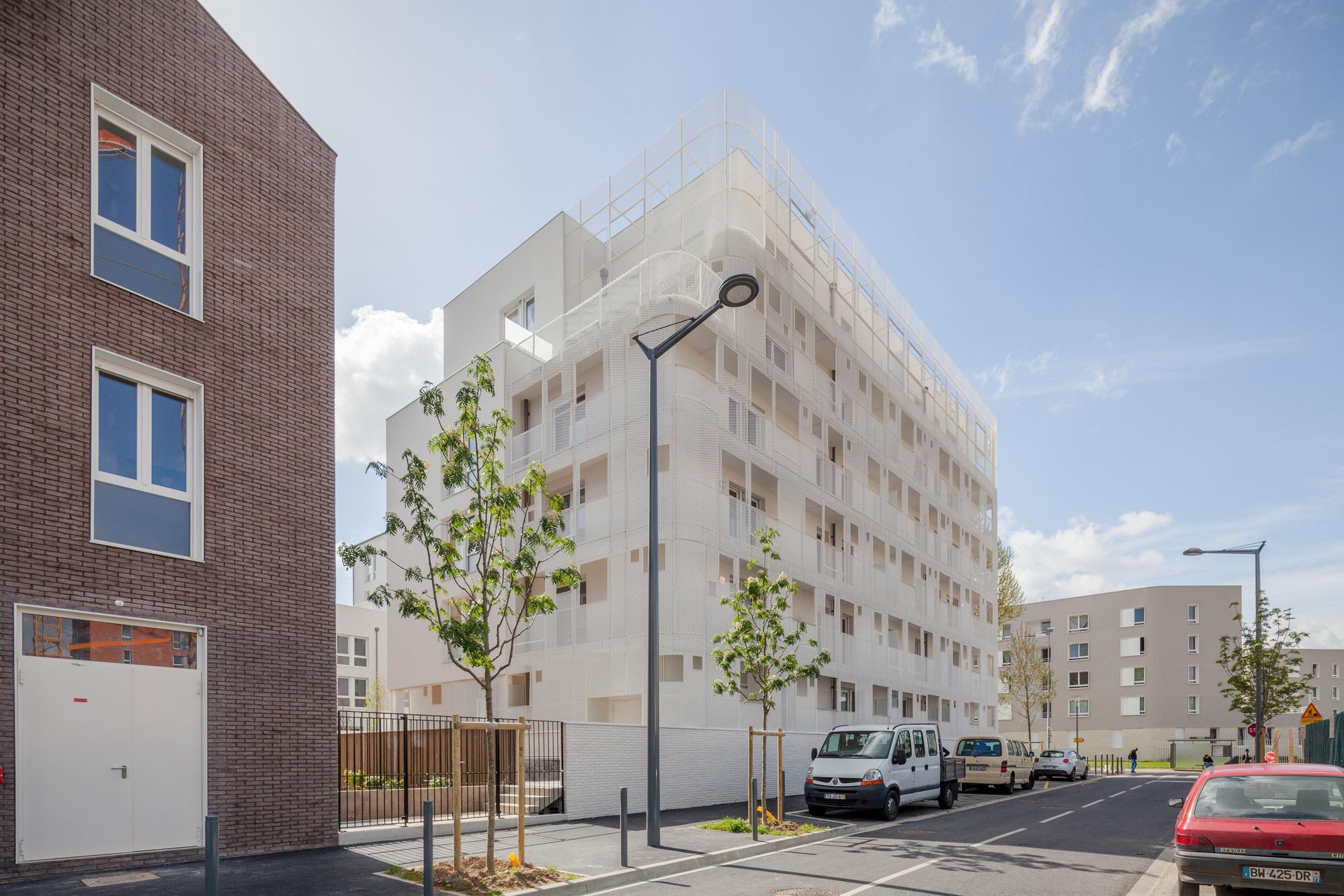 gallery of vigneux sur seine housing margot duclot architectes associ s 1. Black Bedroom Furniture Sets. Home Design Ideas