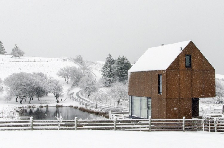Casa Enough / MacKay-Lyons Sweetapple Architects, © James Brittain