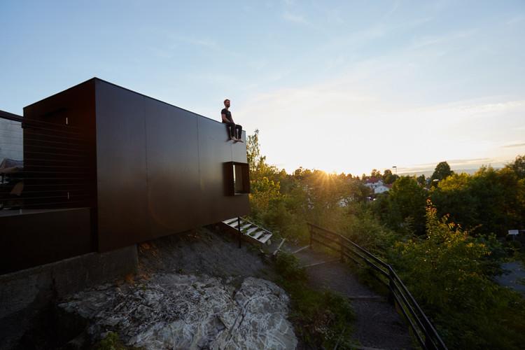 Estudio con Luz Exterior / NATAAS, © Haakon Michael Harriss