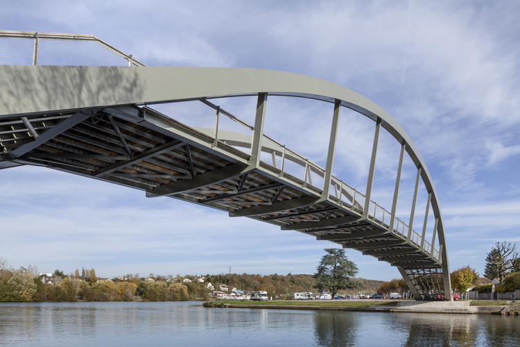 Overpass on the Loing  / DVVD Engineers Architects Designers, © D.Rousselot - DVVD