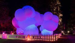 BIG-Designed Inflatable Pavilion Lights Up Roskilde Festival