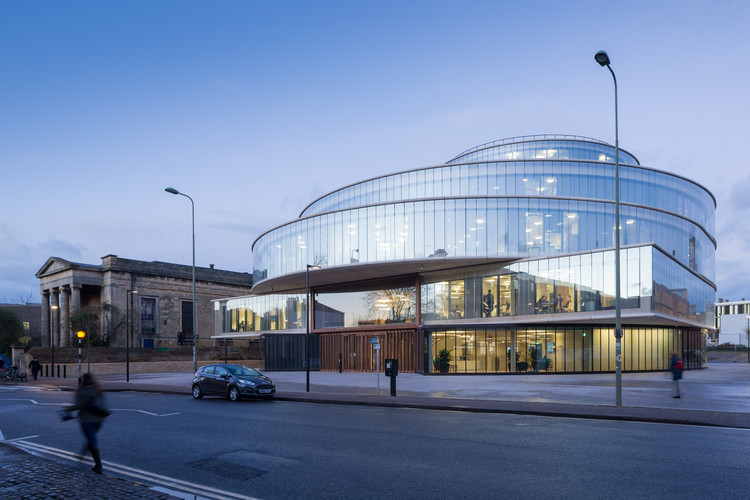 Escuela de Gobierno de Blavatnik, Universidad de Oxford / Herzog & de Meuron. Imagen © Iwan Baan
