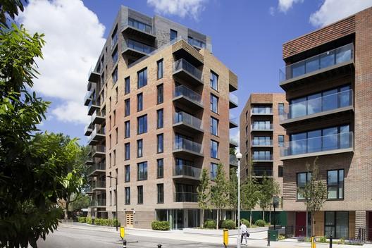 Trafalgar Place, Elephant and Castle, Londres / dRMM Architects. Imagen © Alex de Rijke