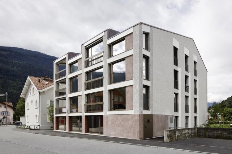 Casa Multifamiliar La Contenta / Aita Flury, © Ralph Feiner