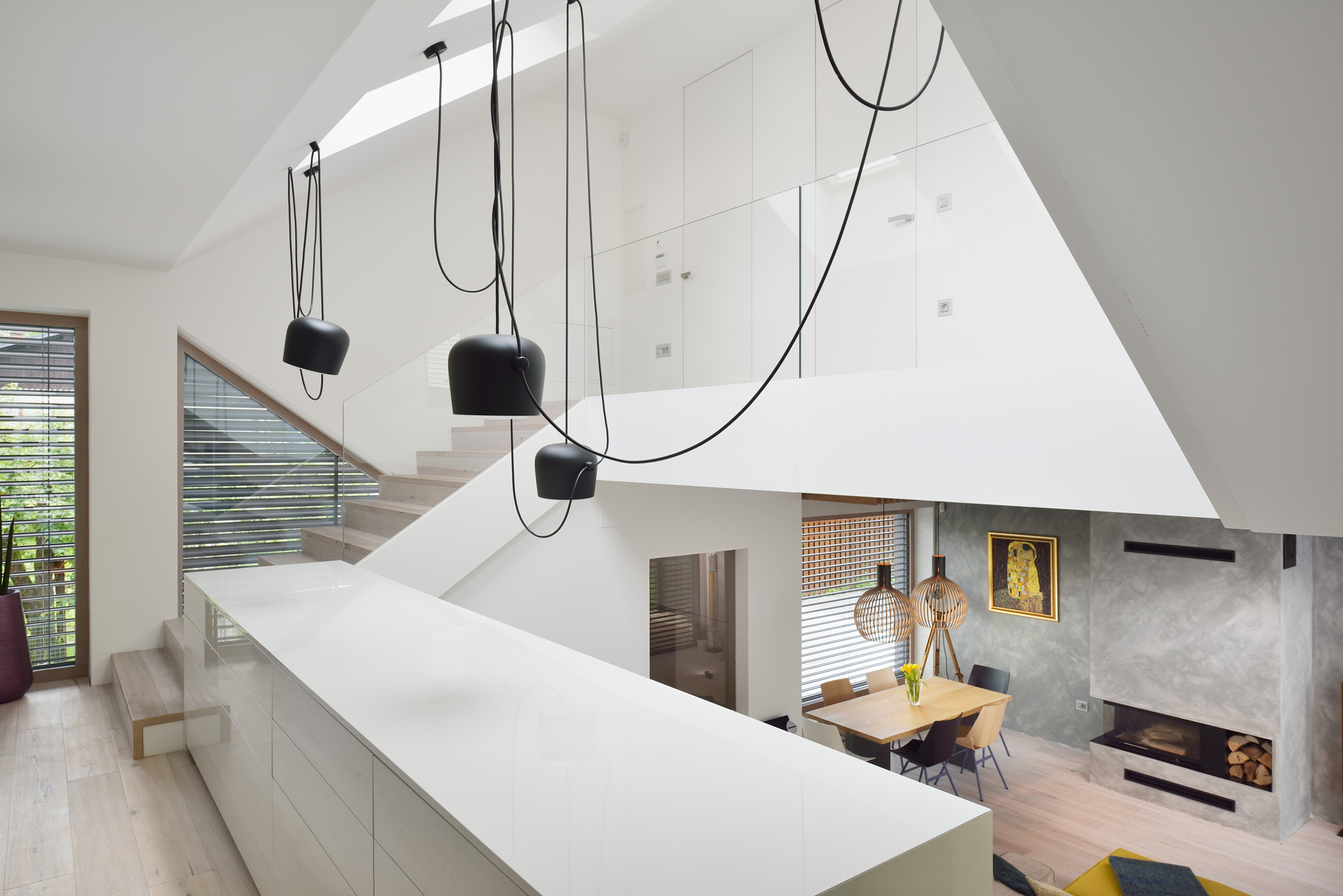 Gallery of mezzanine house elastik architecture hikikomori 4 - Mezzanine woonkamer ...
