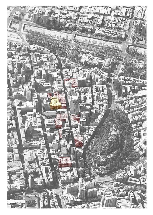 Fotografía aérea de los 12 edificios de estacionamientos a lo largo de la Calle Miraflores. Elaboración del autor en base a 8 imagen satelital