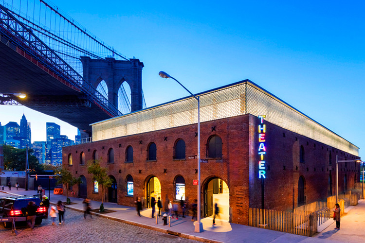 This Brooklyn Theater Renovation Shows You Don't Have to Choose Between Heritage and Sustainability, TheexteriorviewofSt.Ann'sWarehousetheater. Image Courtesy of Charcoalblue