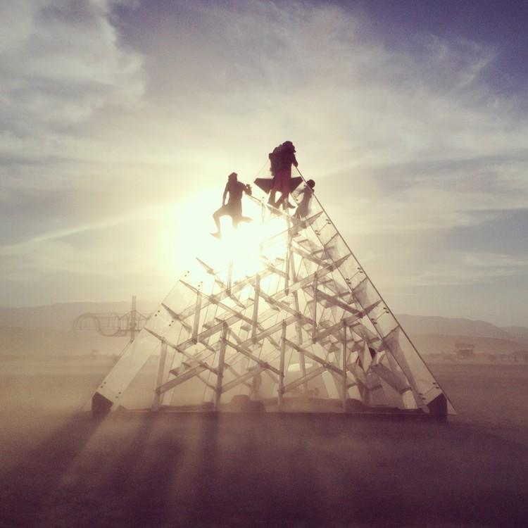 Burning Man X Red Deer Architects, LUZ