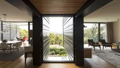 Balmoral House  / Fox Johnston Architects