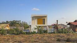 House of Owls  / Alexandra Demenighi + Rodrigo Vargas Souza