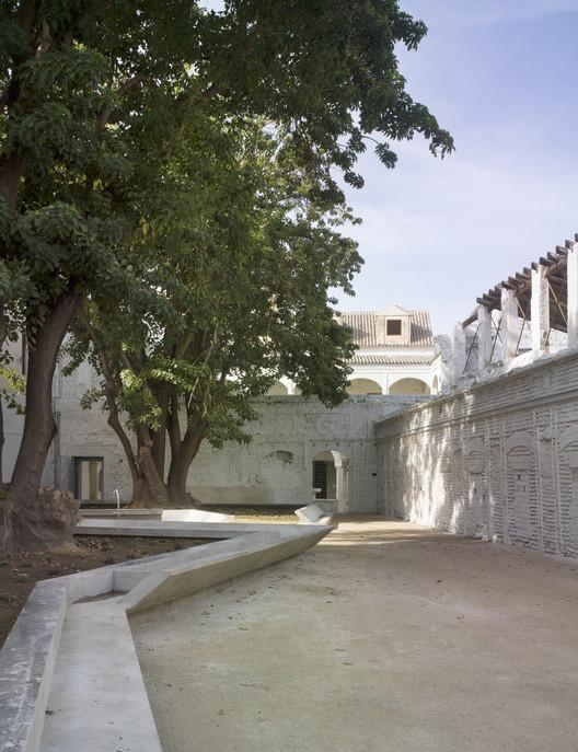 © Jesús Granada. ImageAntiguo Convento de Santa María de los Reyes de Sevilla / José Morales + Sara De Giles