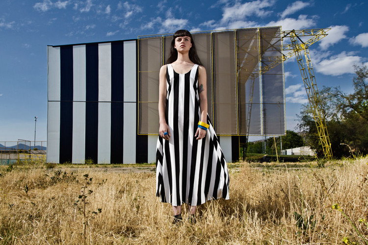 'Trasvestir: Exploración entre arquitectura, cuerpo e indumentaria' , © Pilar Castro Evensen