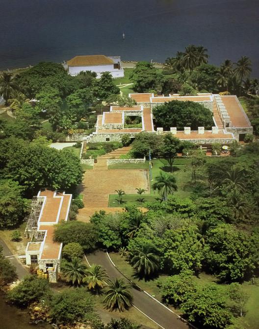 Casa presidencial del Fuerte San Juan de Manzanillo / Rogelio Salmona. Image © Ricardo L. Castro