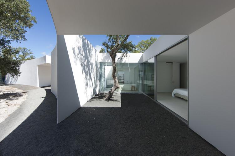 Casa en la costa alentejana / Aires Mateus, © Juan Rodriguez