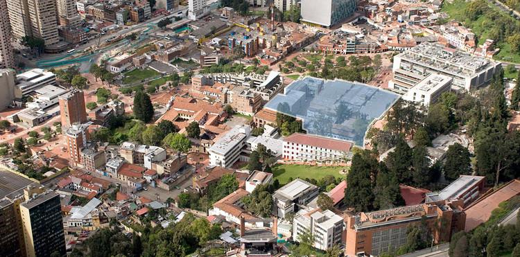 Vista aérea hacia el costado nor-occidenteal de la Universidad de Los Andes, incluyendo emplazamiento del futuro centro cívico universitario. Image vía Gerencia del Campus Universidad de los Andes / Difusión