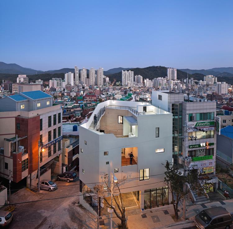 © Yoon Joon-hwan
